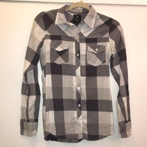Nollie long sleeve button up size Small.